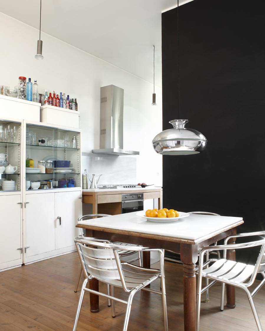 Modern Kitchen Design New York: Barcelona Style: An Amazing Loft For