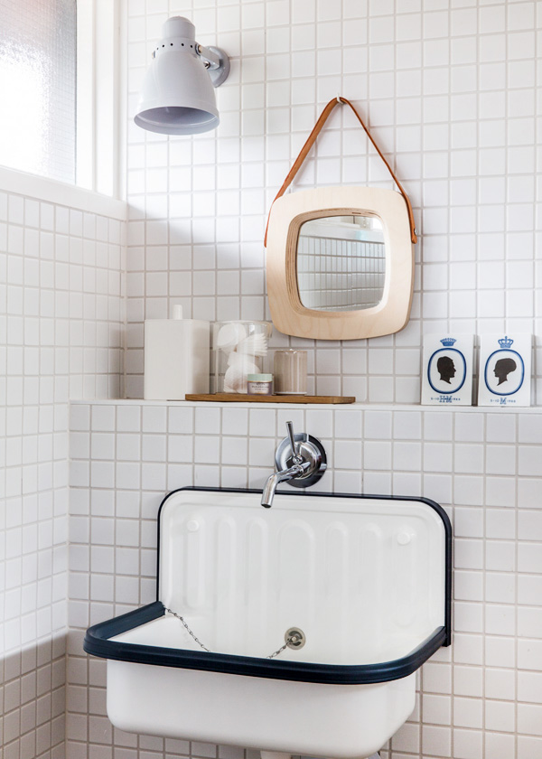 the log cabin bathroom | Eclectic Trends