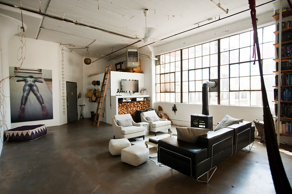 Eclectic trends an eclectic loft in brooklyn eclectic for Living room brooklyn