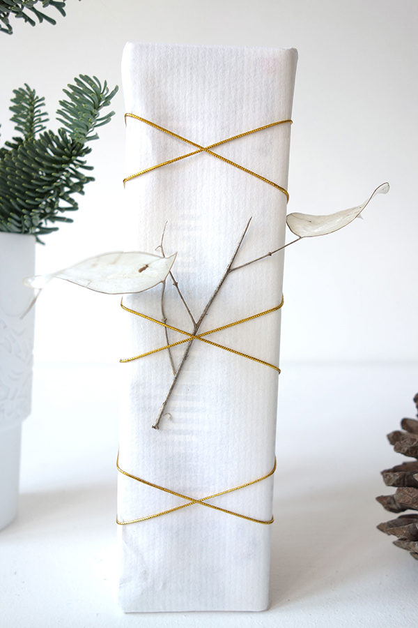 Christmas arrows gift wrapping