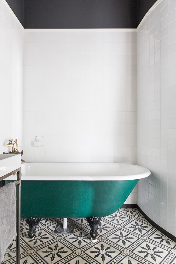 apartment Malmo bath tub