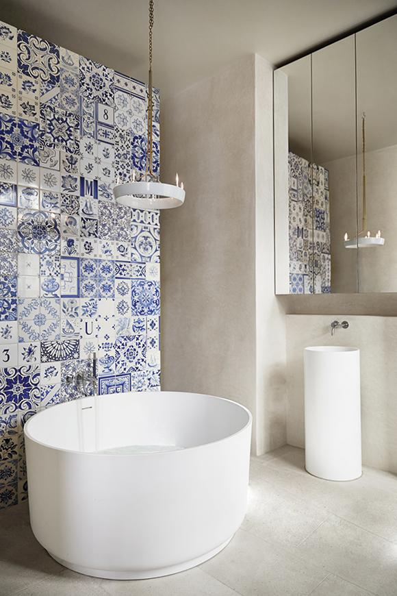 Stockholm home  bath