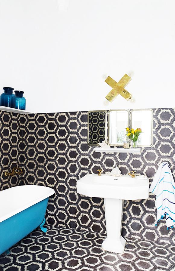 colorful Morroco home bath