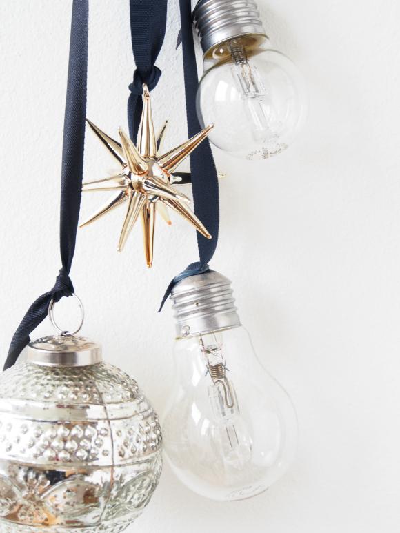 DIY Hanging Light Bulb Christmas Decorations DIY Hanging Light Bulb Decorations