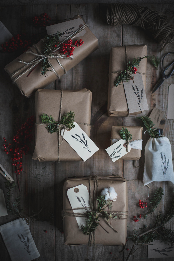 4 gift wrapping trends Christmas