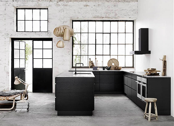 Black kitchen design-Eclectic Trends